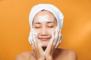 Always Open Your Eyes To An Organic Face Wash- Here's Why!